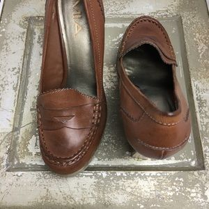 SZ 8.5 MIA Brown Platform Loafer Heels